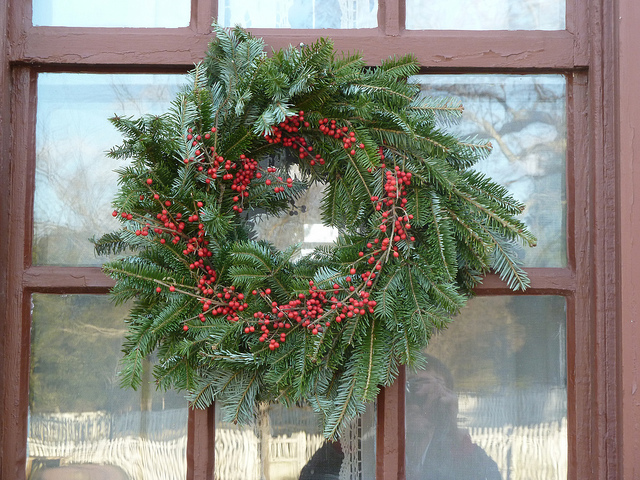 wreath - Colonial Christmas Decor